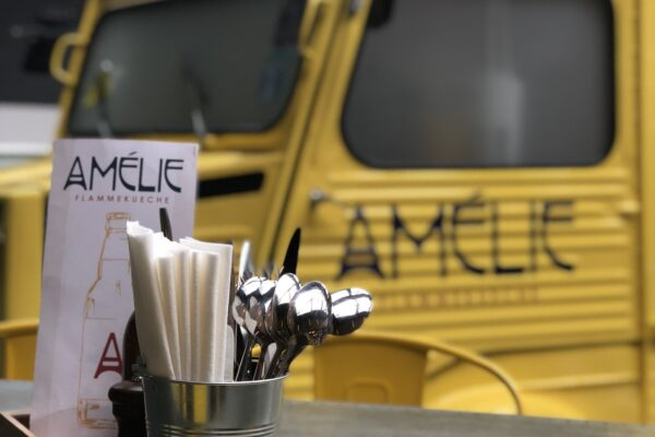 Amelie Yellow van with cutlery pots